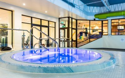 Lancaster Holiday Inn – beautiful glass for a beautiful spa