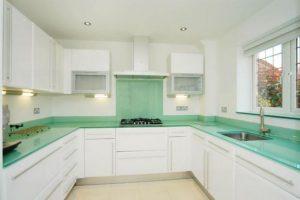 Kitchen glass worktop splashback